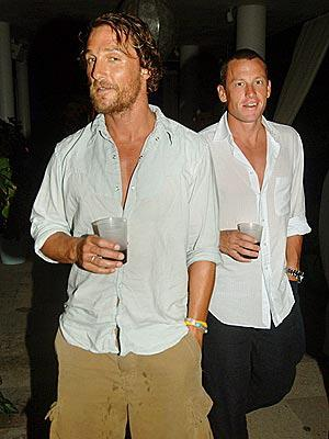 Matthew McConaughey and Lance Armstrong have drinks