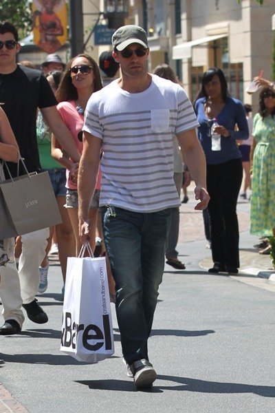 Matthew Morrison from 'Glee' shopping at Create and Barrell
