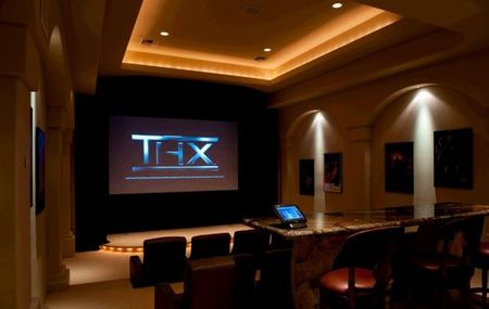 Movie theater luxury - 10 luxurious home movie rooms