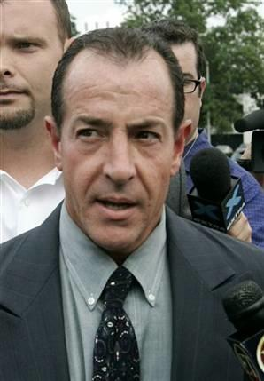 Michael Lohan threatens to Seek Conservatorship over Lindsay