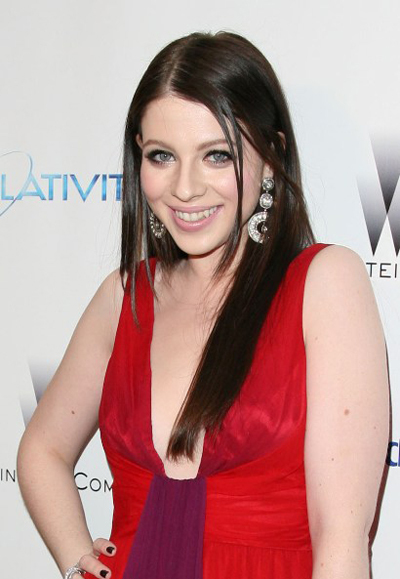 Michelle Trachtenberg's long, sleek hairstyle