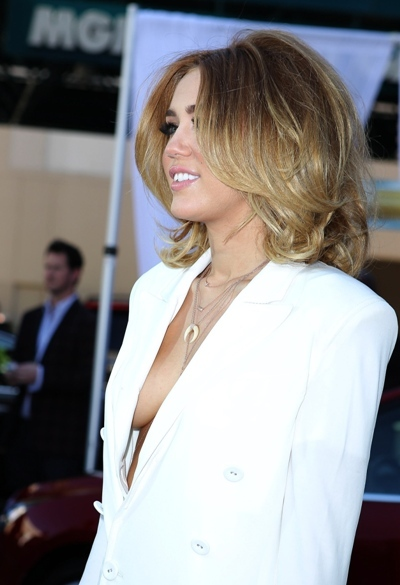 Side Boob: Miley Cyrus