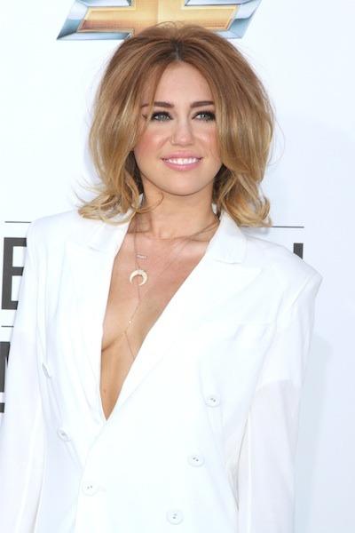 Miley Cyrus Medium Layered Cut - Miley Cyrus Shoulder ... |Miley Cyrus Shoulder Length Hair 2012