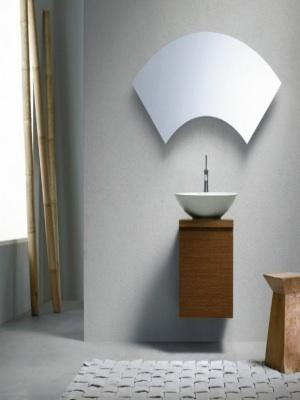 Minimalist bathroom with bamboo and arched mirror
