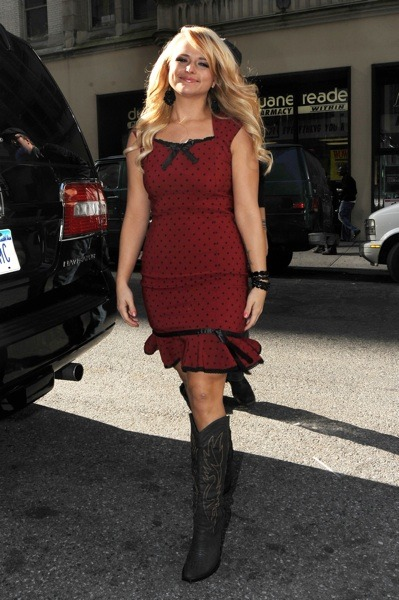 Miranda Lambert in red dress