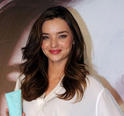 Miranda Kerr's big romantic curls