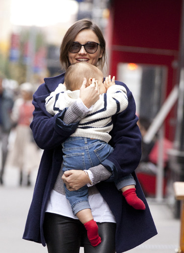 Baby&#039;s day out with Miranda Kerr