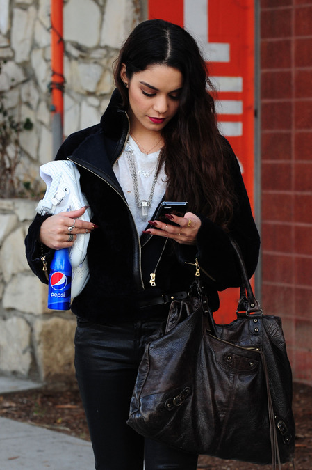 Who was Vanessa Hudgens texting on her day out?!