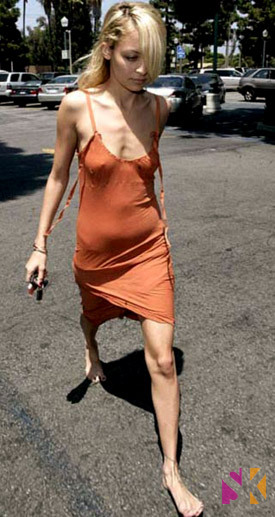 Nicole Richie super skinny