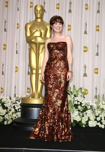 Ellie Kemper shimmers at the Oscars