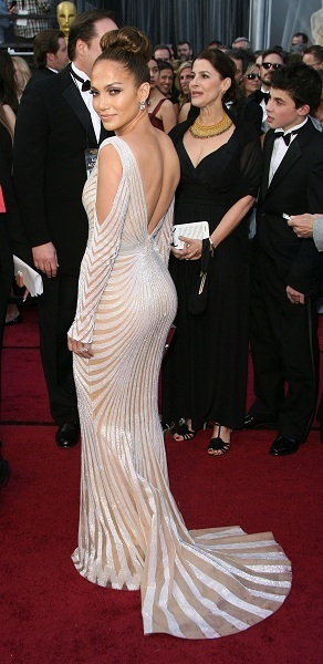 J. Lo arrives to The Red Carpet