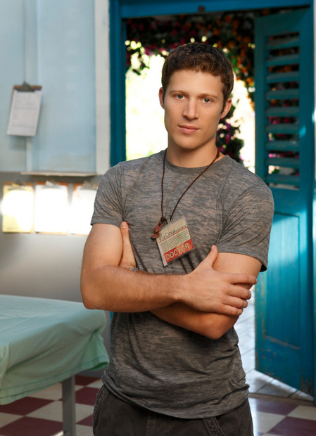 Dr Tommy Fuller (Zach Gilford), Off the Map