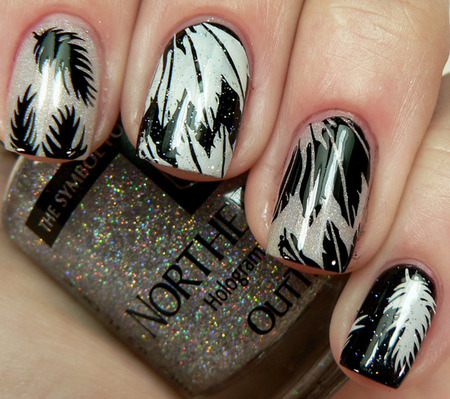 Black Swan-inspired Nails