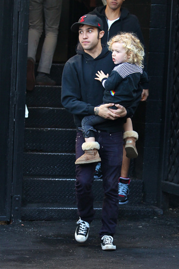 Pete Wentz and son Bronx leave lunch