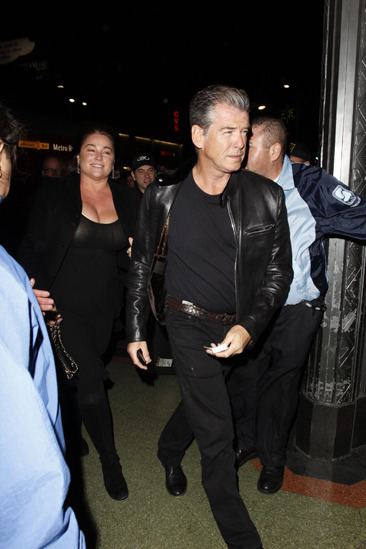 Pierce Brosnan leaves the Sting concert
