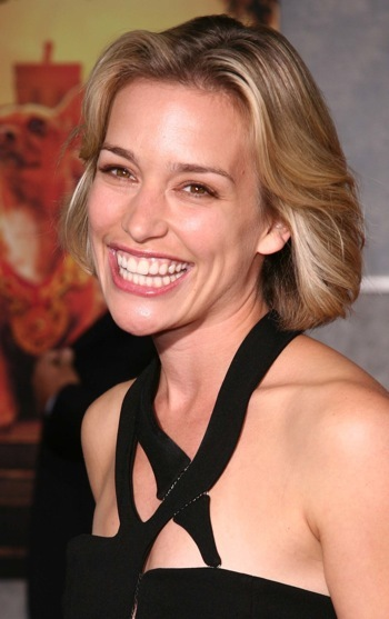 Piper Perabo at the Beverly Hills Chihuahua Premiere
