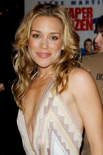 Piper Perabo at the Cheaper by the Dozen 2 premeiere