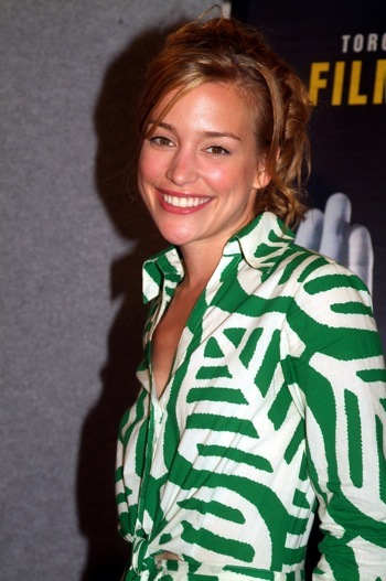 Piper Perabo promotes the movie Edison