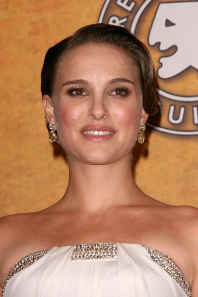 Natalie Portman in elegant earrings