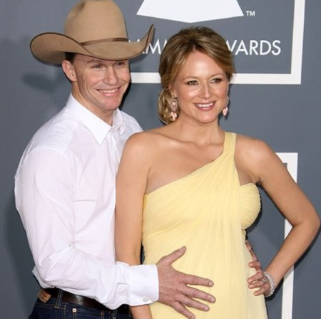Pregnant Jewel and Ty Murray