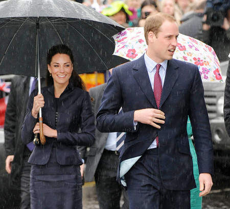 Prince William & Kate Middleton in the Rain