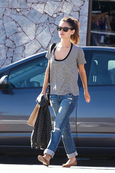 Rachel Bilson shops in Los Feliz