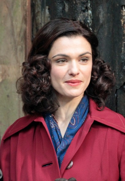 Rachel Weisz's retro, shoulder-length hairstyle