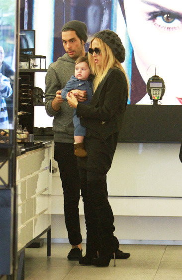Rachel Zoe and her son Skyler shopping with bff Joey Maalouf