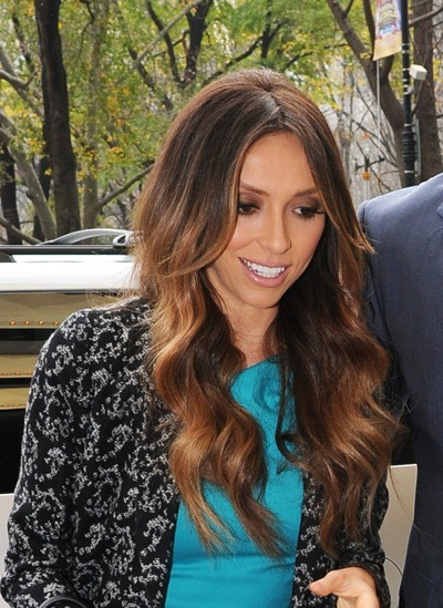 Giuliana Rancic with long waves