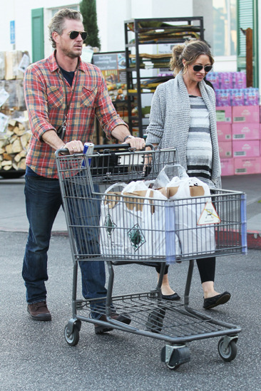 Eric Dane &amp;amp; Rebecca Gayheart shop for groceries