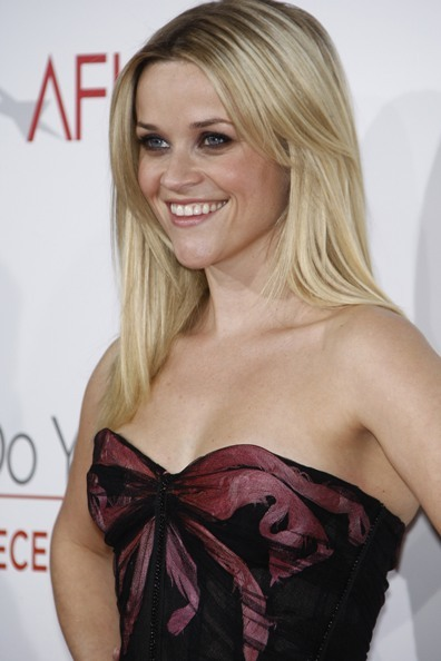 Reese Witherspoon's sexy, blonde hairstyle