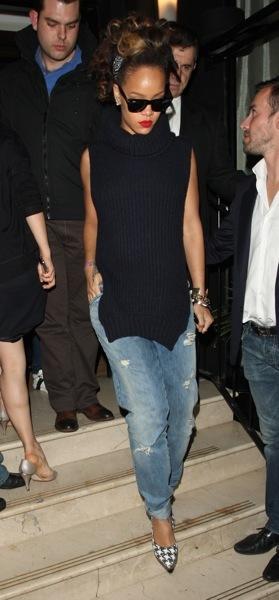 Rihanna in boyfriend jeans