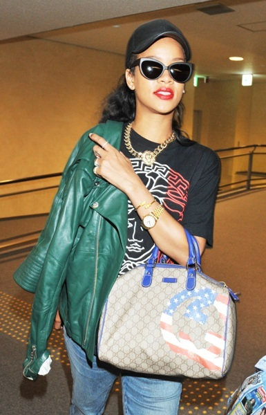 Rihanna arriving at airport