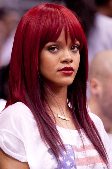 Rihanna rocks new bangs