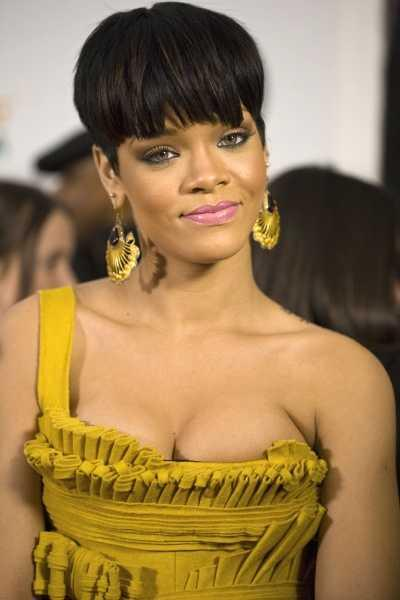 Rihanna's Short, Layered, Crop