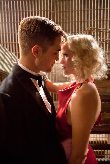 Robert Pattinson and Reese Witherspoon's movie kiss