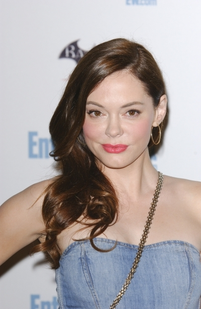 Rose McGowan Side Parted Curls