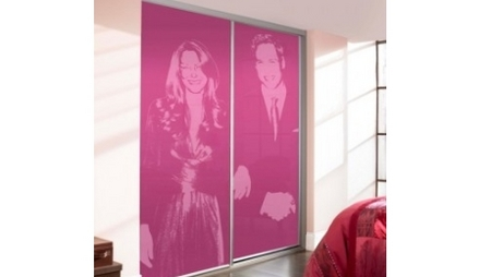 Royal portrait sliding doors