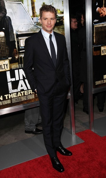 Ryan looks smokin&#039; hot in suit and tie. 