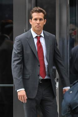 "Ryan Reynolds on Location in NYC for ""The Proposal"""