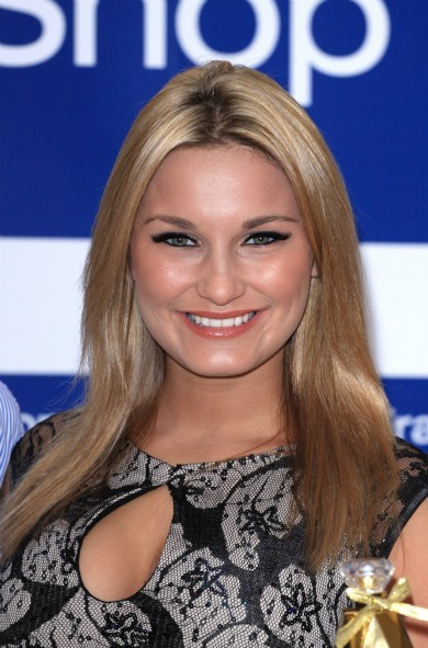 Sam Faiers&#039; simple straight look 