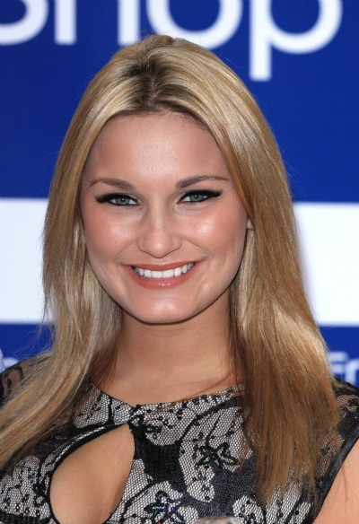 Sam Faiers' straightforward style for round faces