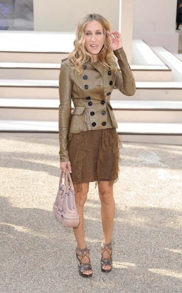 Sarah Jessica Parker in a brown mini skirt