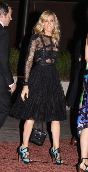 Sarah Jessica Parker in a full skirt