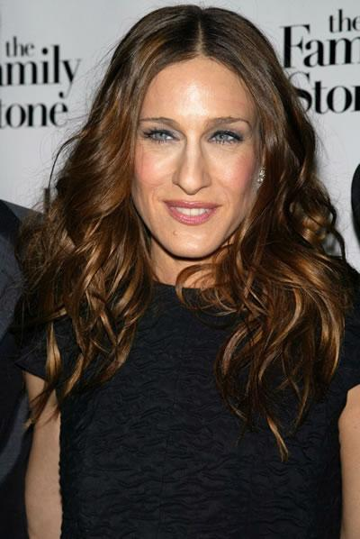 Sarah Jessica Parker shows off brunette locks at the premiere of 'The Family Stone.'