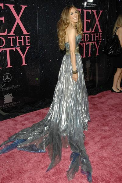 Sarah Jessica Parker wears a dramatic ballgown at the New York premiere os 'Sex and the City: The Movie.'