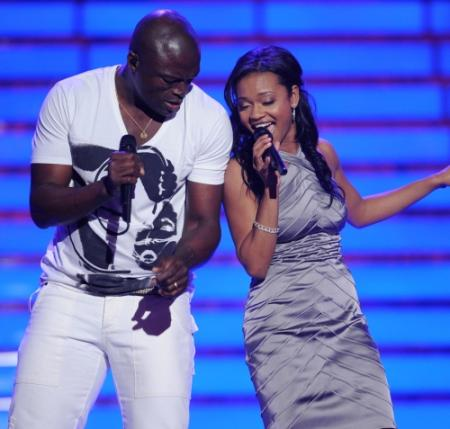 Seal performing with Syesha Mercado