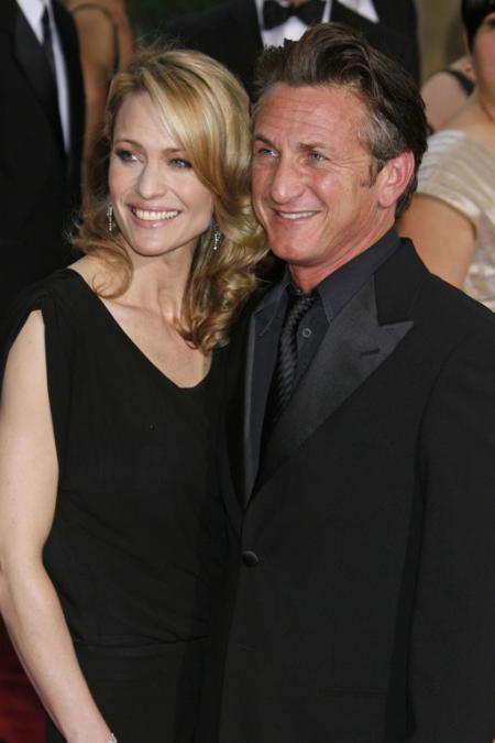 Sean Penn and Robin Wright Penn at the 2009 Oscars