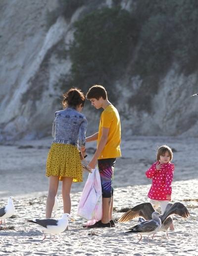 Justin & Selena with family