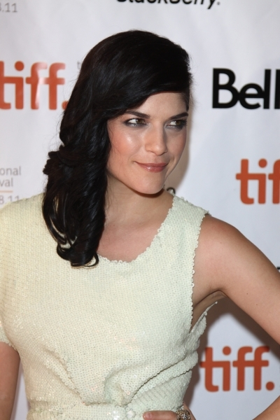 Selma Blair's Dark Curly Hairstyle